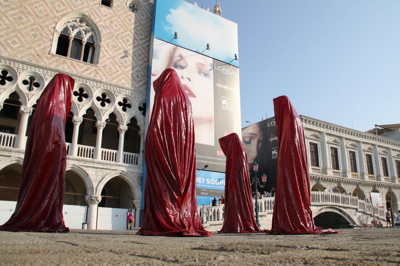 la biennale di arte pubblica a venezia da manfred