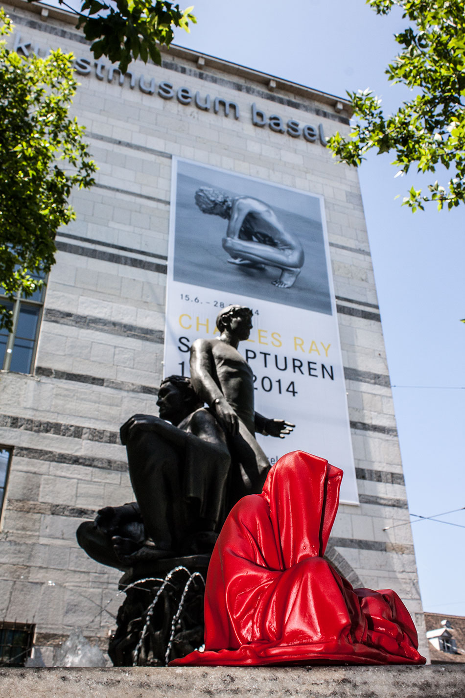 highlights-public-artbasel-kunsthaus-basel-scope-art-show-guardians-of-time-manfred-kielnhofer-steinreich-contemporary-art-sculpture-tour-art-parcours-1593