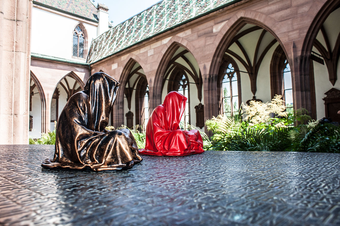 highlights-public-artbasel-scope-art-show-guardians-of-time-manfred-kielnhofer-steinreich-contemporary-art-sculpture-tour-art-parcours-1529y