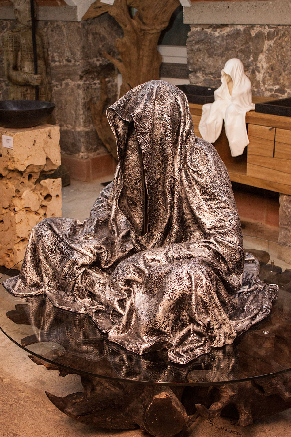 mobile-galerie-gall-toko06-linz-25er-turm-guardians-of-time-manfred-kielnhofer-contemporary-fine-art-design-sculpture-2655