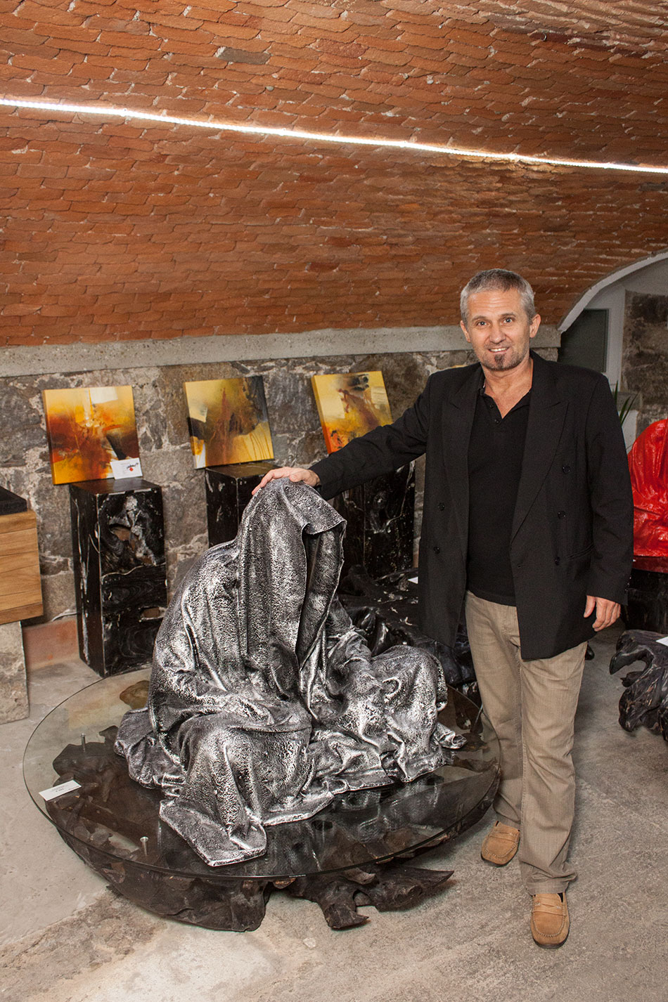 mobile-galerie-gall-toko06-linz-25er-turm-guardians-of-time-manfred-kielnhofer-contemporary-fine-art-design-sculpture-2666