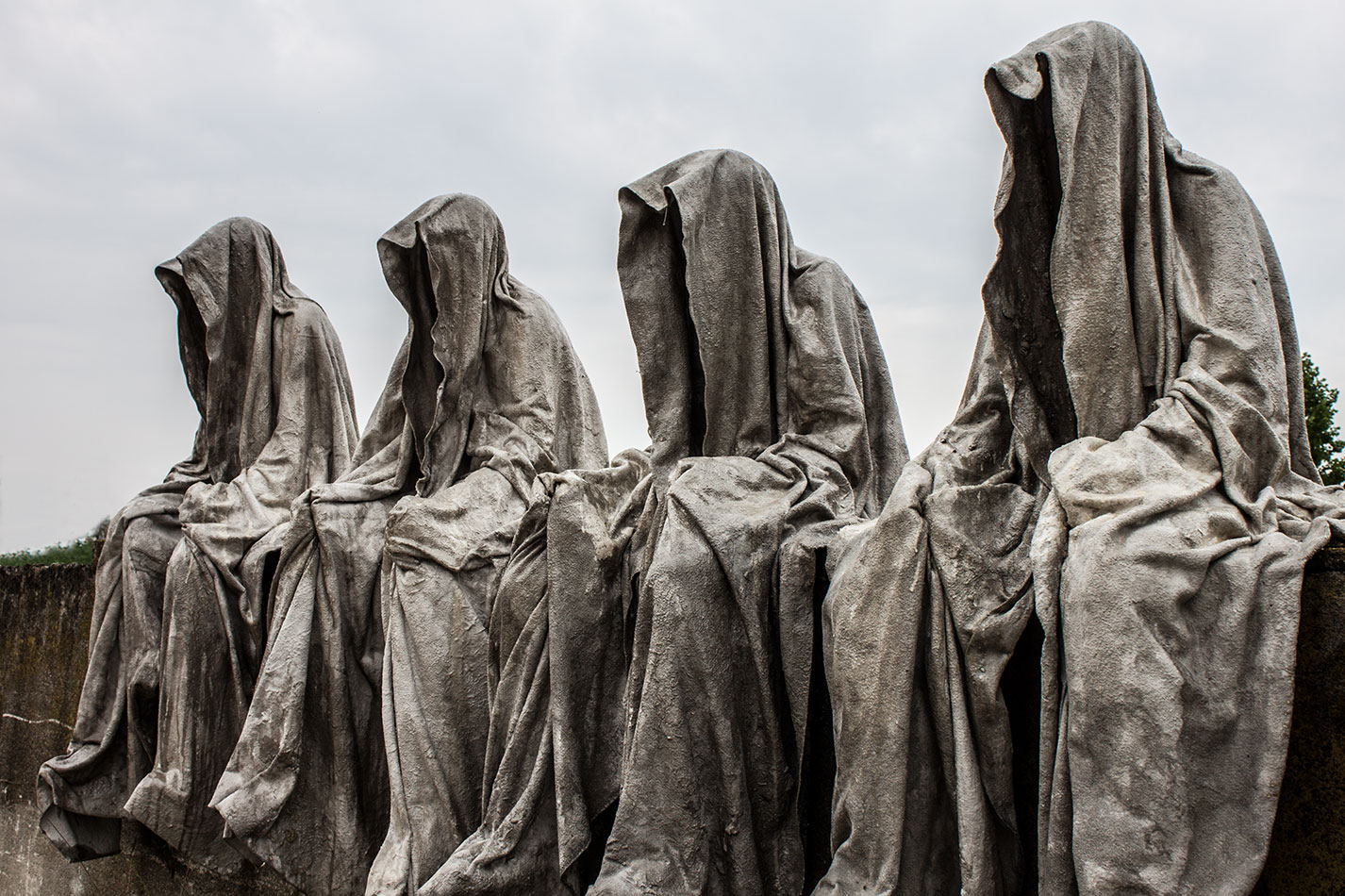 mobile-gallery-guardians-of-time-sculptor-manfred-kili-kielnhofer-contemporary-fine-art-design-sculpture-modern-famous-3d-statue-public-arts-2615