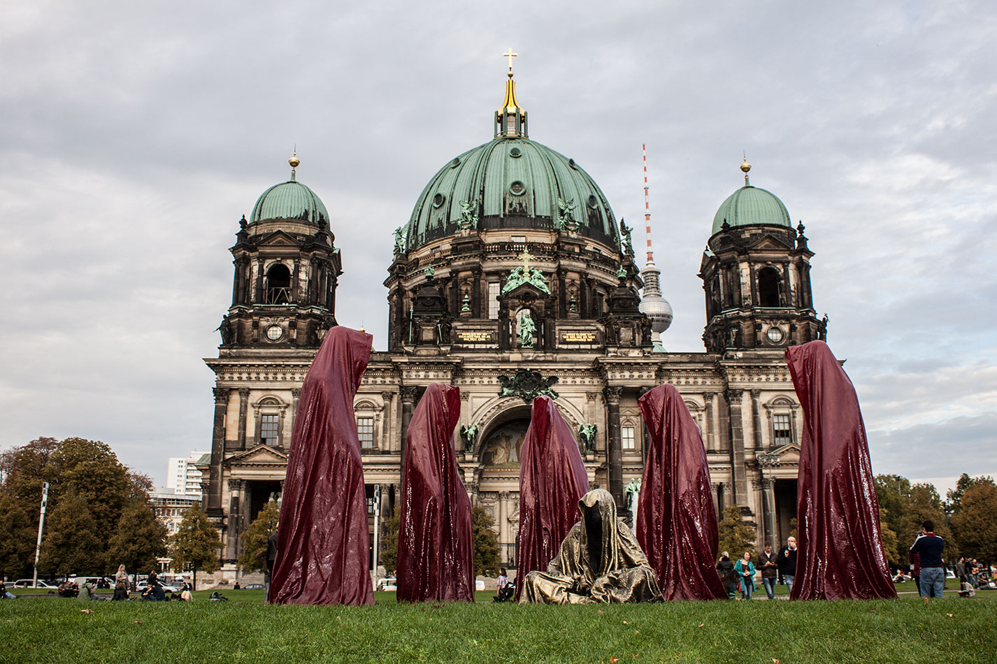 festival-of-lights-berlin-cathedral-light-art-show-exhibition-lumina-guardians-of-time-manfred-kili-kielnhofer-contemporary-arts-design-sculpture-2912