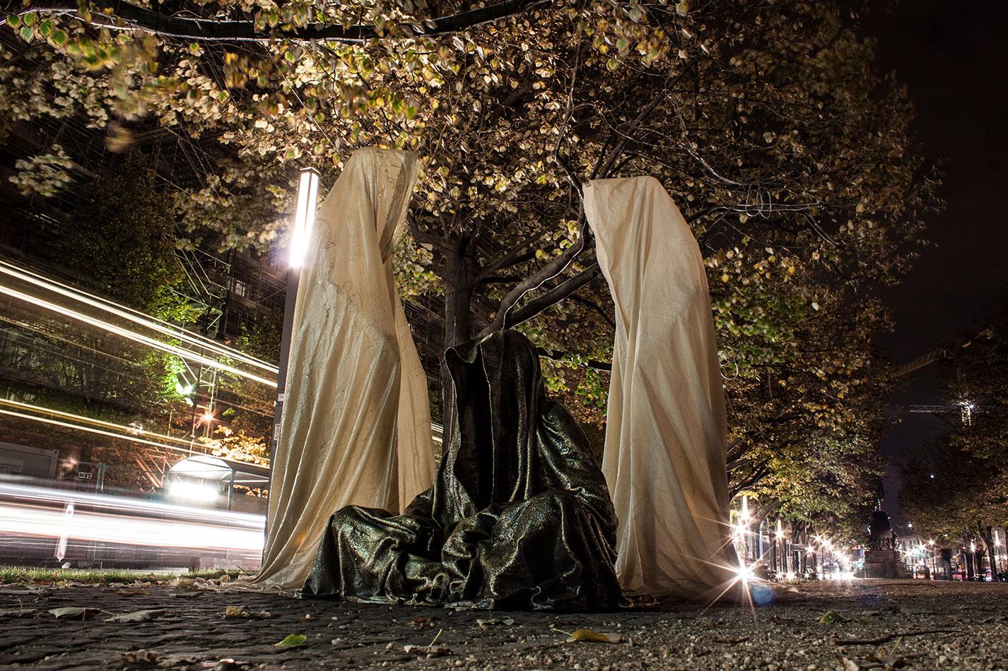 festival-of-lights-berlin-light-art-show-exhibition-lumina-guardians-of-time-manfred-kili-kielnhofer-contemporary-arts-design-sculpture-3477