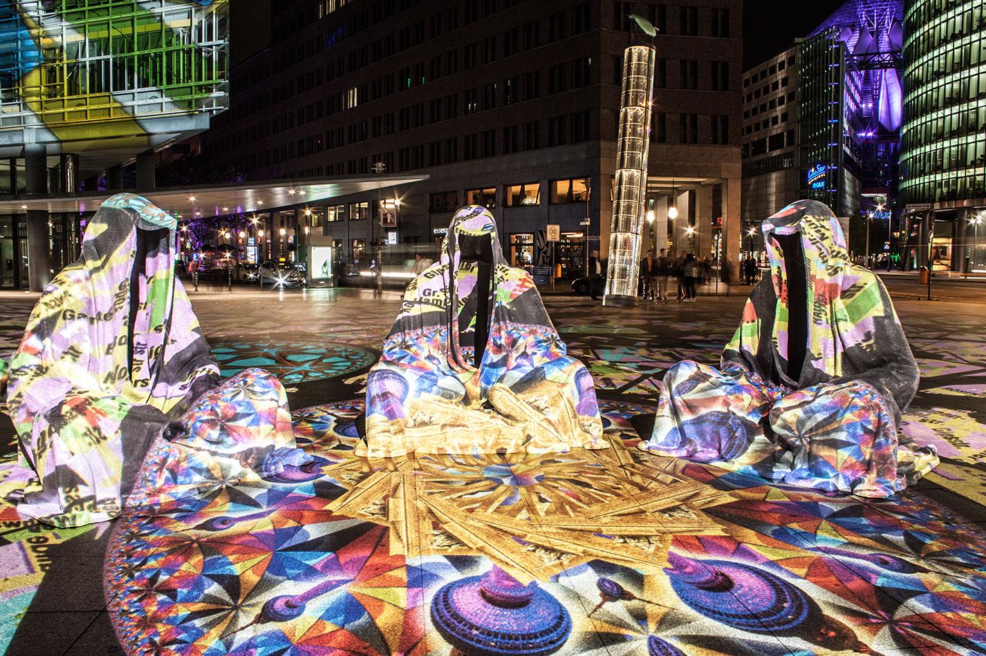 festival-of-lights-berlin-potzdamer-platz-light-art-show-exhibition-lumina-guardians-of-time-manfred-kili-kielnhofer-contemporary-arts-design-large-scale-monumental-public-sculpture-3507