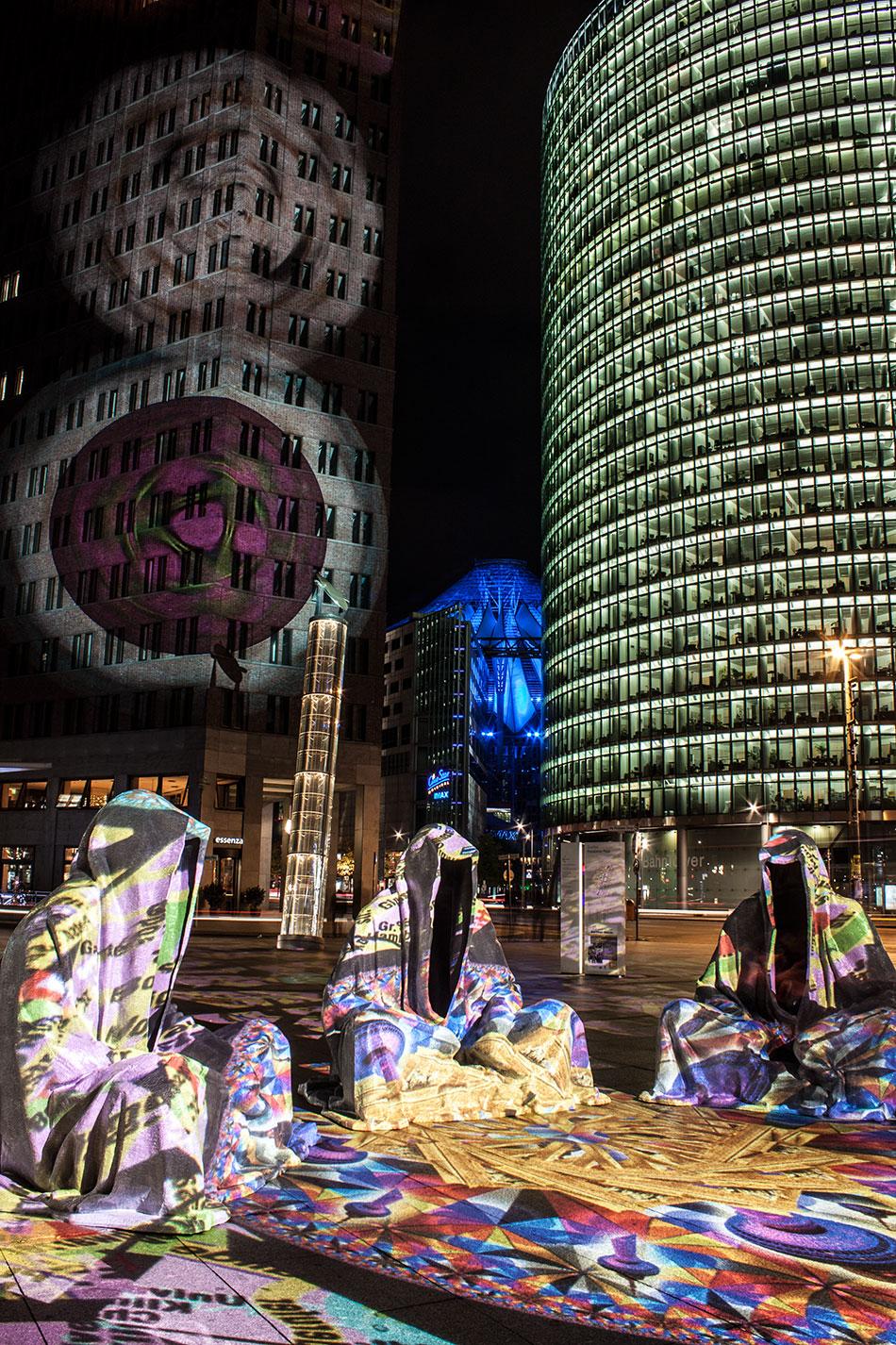 festival-of-lights-berlin-potzdamer-platz-light-art-show-exhibition-lumina-guardians-of-time-manfred-kili-kielnhofer-contemporary-arts-design-large-scale-monumental-public-sculpture-3535