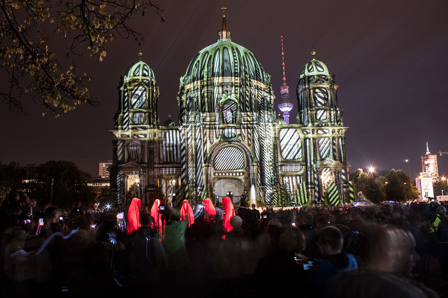 festival-of-lights-old-museum-cathedral-berlin-light-art-show-exhibition-lumina-guardians-of-time-manfred-kili-kielnhofer-contemporary-arts-design-sculpture-3025 - Kopie