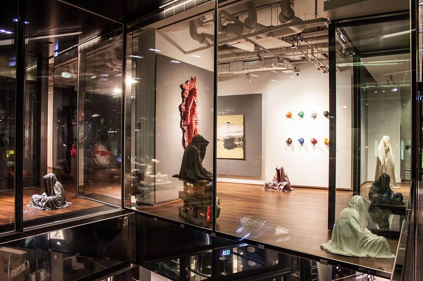 stilwerk-wien-designtower-vienna-show-guardians-of-time-waechter-der-zeit-manfred-kielnhofer-modern-contemporary-fine-art-design-sculpture-3d-arts-3964