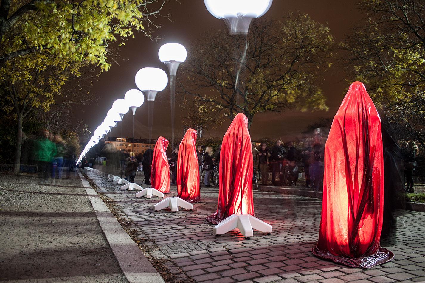 25-years-wallfall-berlin-germany-wallpark-contemporary-fine-art-show-arts-design-guardians-of-time-manfred-kili-kielnhofer-4360