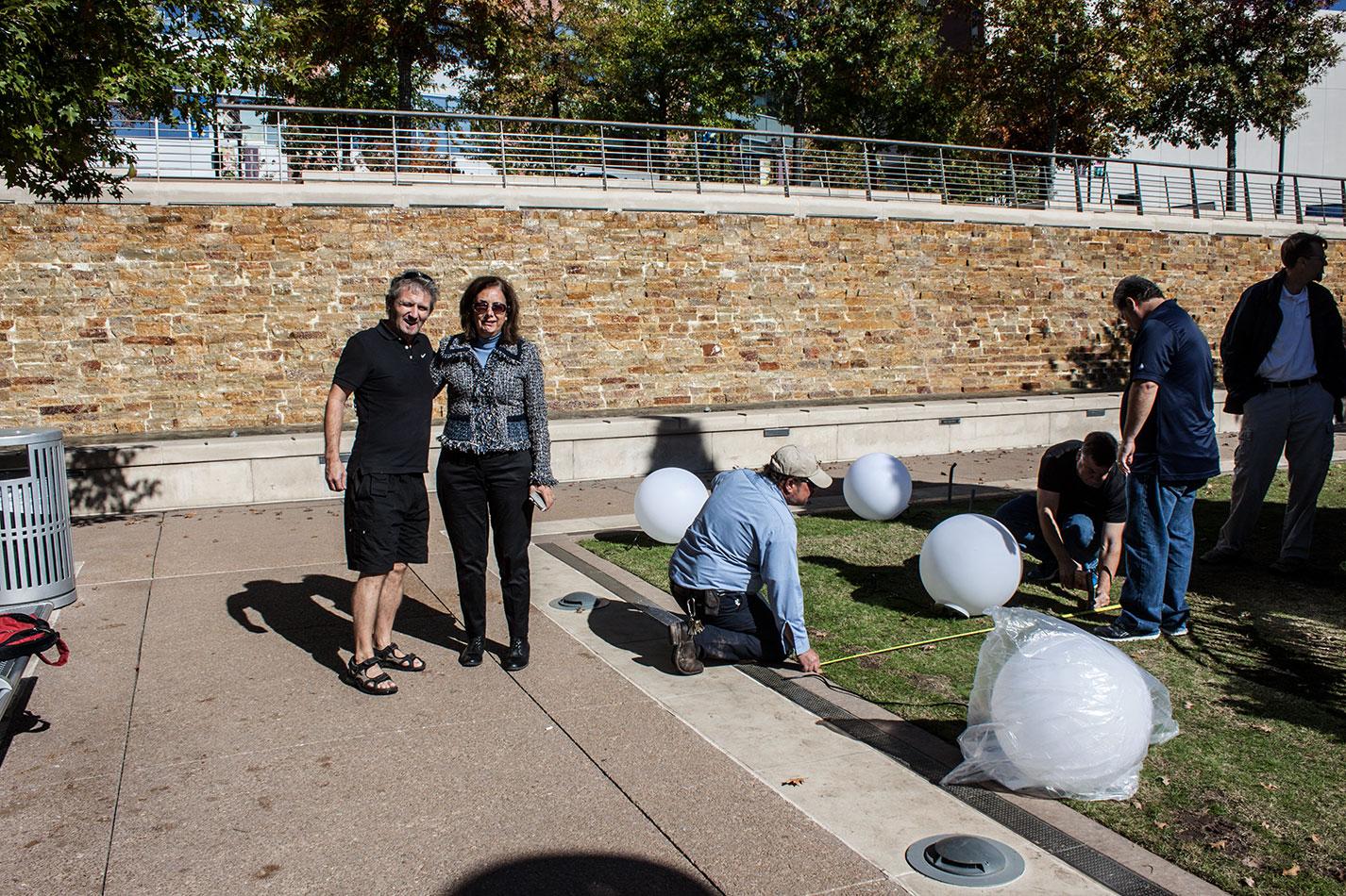 public-art-usa-houston-woodlands-texas-art-arts-arte-design-light-balls-bench-manfred-kielnhofer-contemporary-fine--light-art-design-architecture-sculpture-5290
