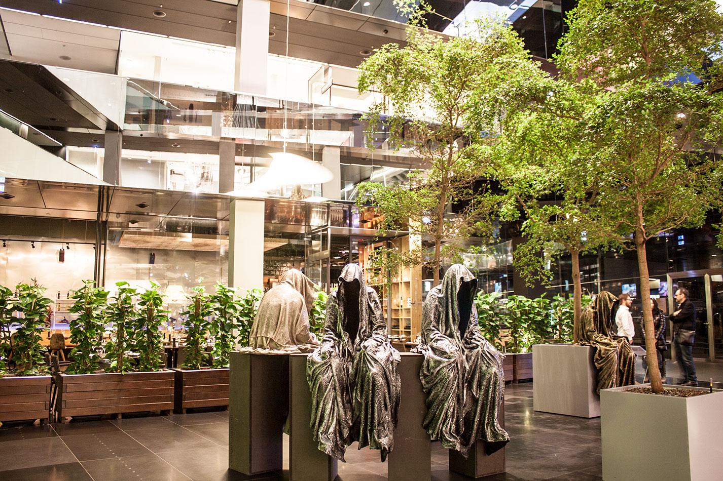 stilwerk-wien-design-tower-vienna-duekouba-designkooperation-guardians-of-time-manfred-kieli-kielnhofer-contemporary-fine-art-arts-design-installation-antique-show-4747