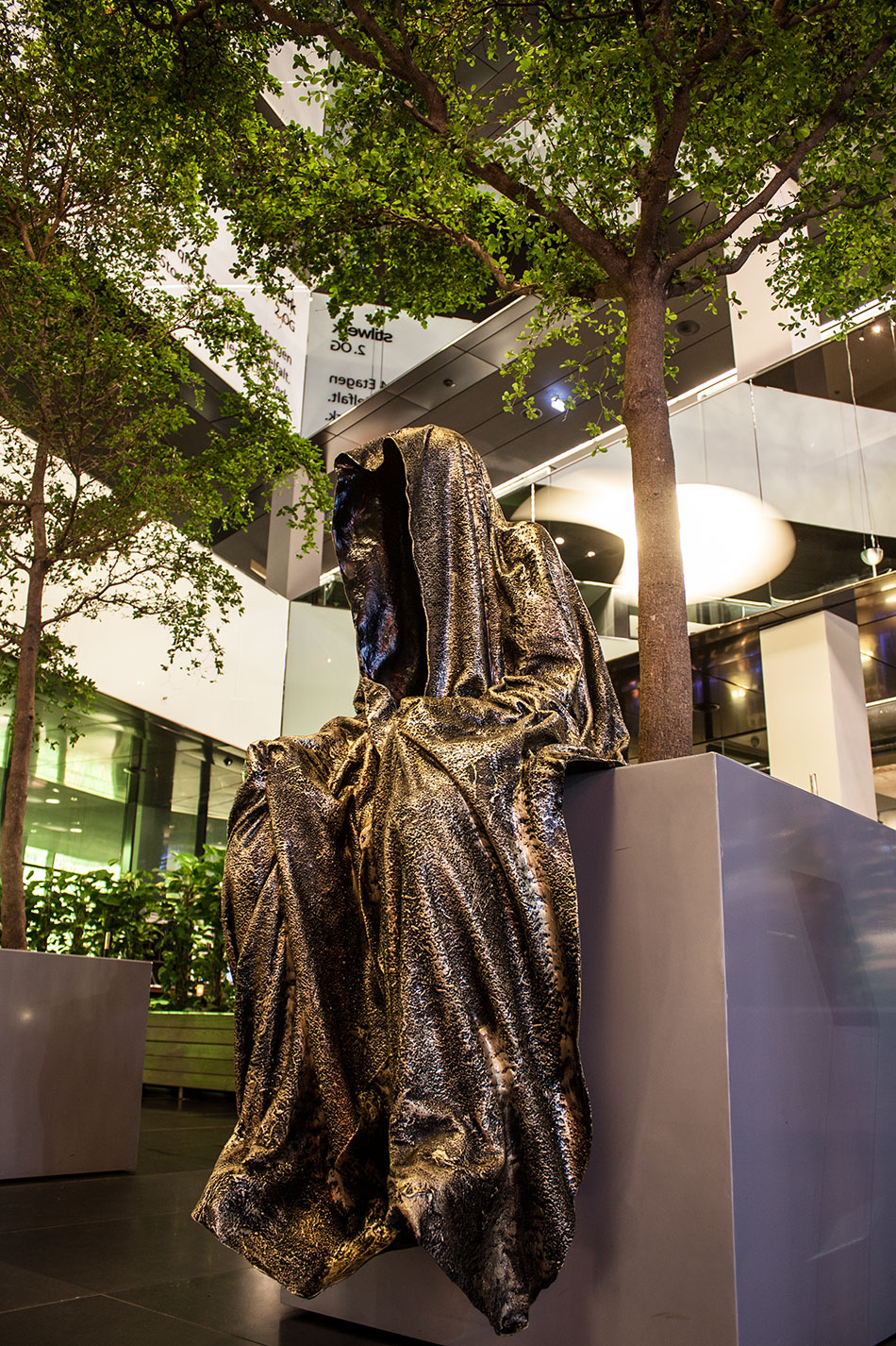 stilwerk-wien-design-tower-vienna-duekouba-designkooperation-guardians-of-time-manfred-kieli-kielnhofer-contemporary-fine-art-arts-design-installation-antique-show-4841