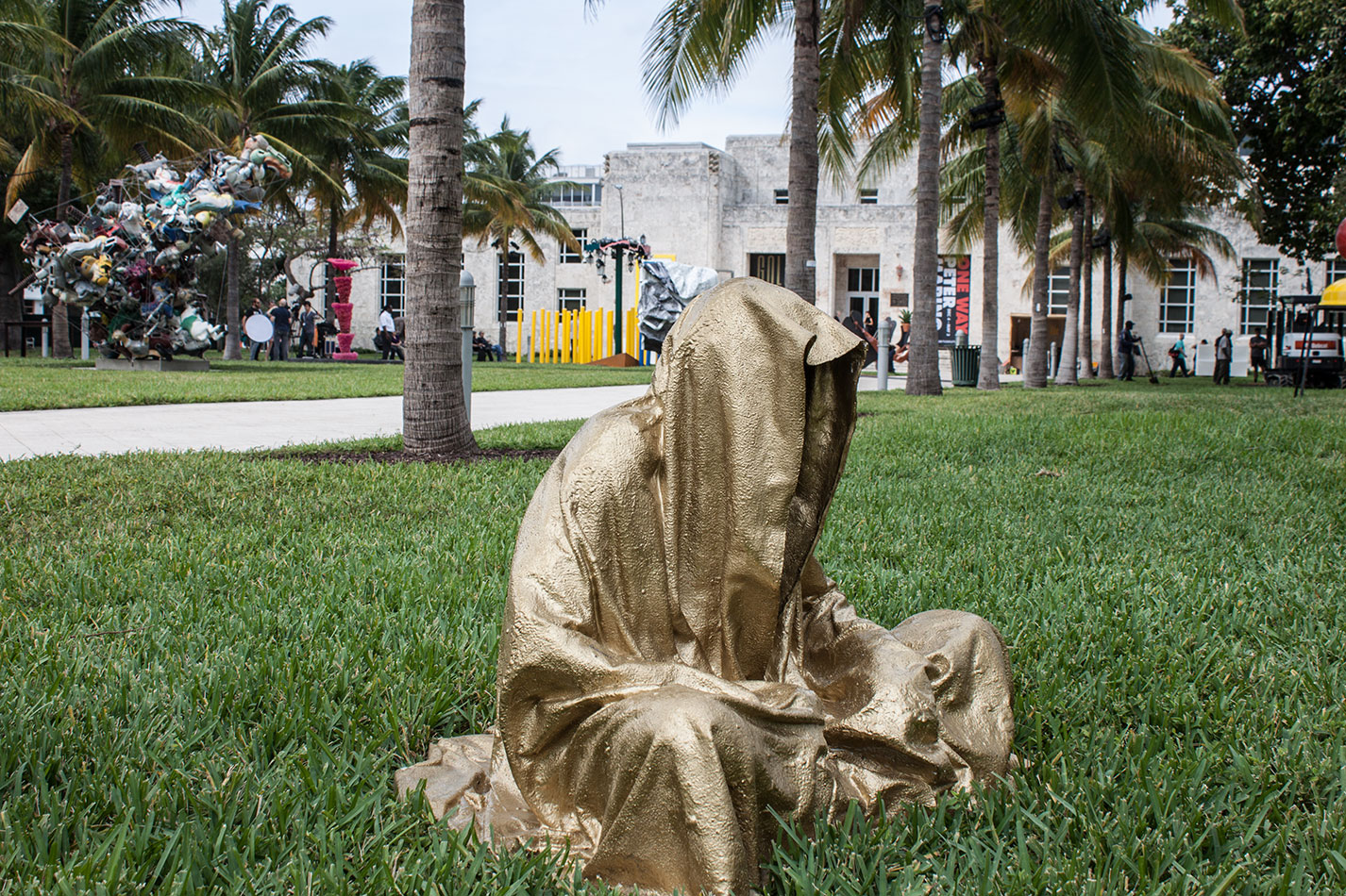 art-basel-miami-beach-fair-usa-florida-bass-museum-guardians-of-time-manfred-kili-kielnhofer-contemporary-fine-art-modern-arts-design-antiques-sculpture-6253