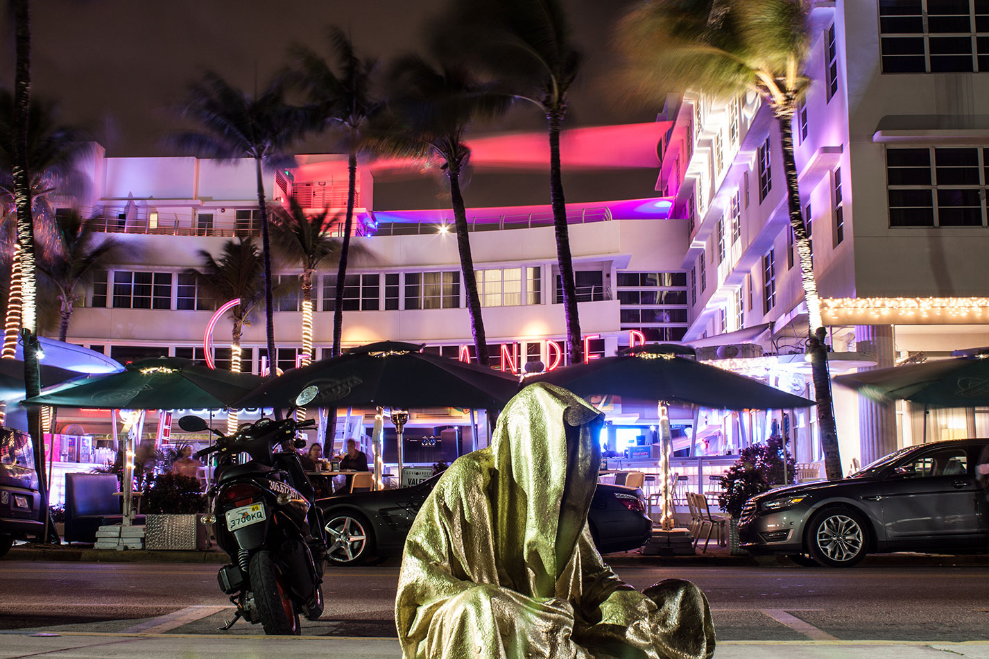 art-basel-miami-beach-fair-usa-florida-bass-museum-guardians-of-time-manfred-kili-kielnhofer-contemporary-fine-art-modern-arts-design-antiques-sculpture-6462