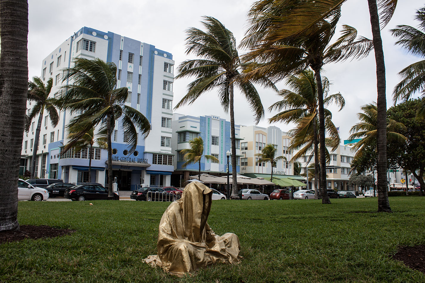 art-basel-miami-beach-fair-usa-florida-guardians-of-time-manfred-kili-kielnhofer-contemporary-fine-art-modern-arts-design-antiques-sculpture-5958