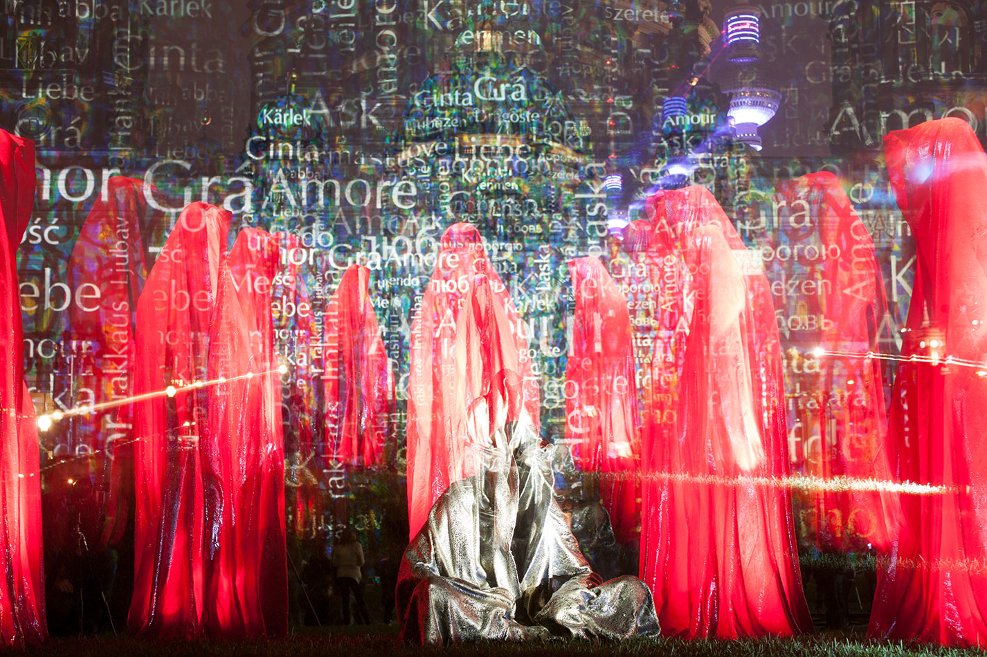 festival-of-lights-old-museum-cathedral-berlin-light-art-show-exhibition-lumina-guardians-of-time-manfred-kili-kielnhofer-contemporary-arts-design-sculpture-3050