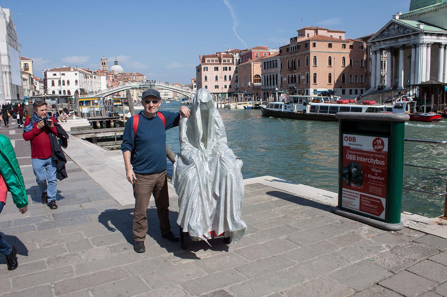 la-biennale-venezia-arte-venice-guardians-of-time-manfred-kili-kielnhofer-contemporary-art-arts-design-sculpture-performance-show-7985