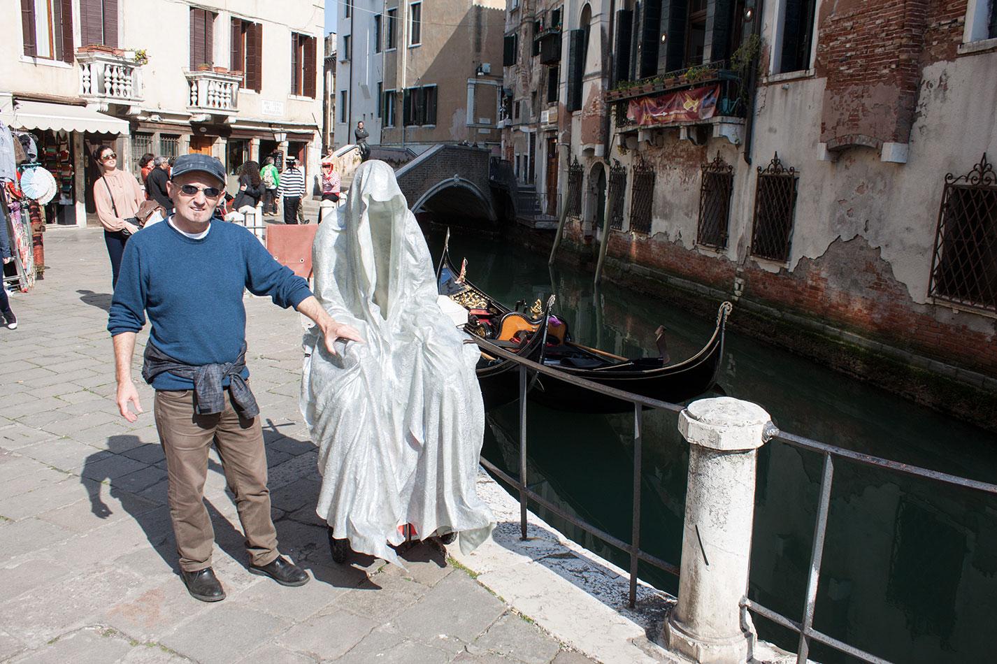 la-biennale-venezia-arte-venice-guardians-of-time-manfred-kili-kielnhofer-contemporary-art-arts-design-sculpture-performance-show-8097