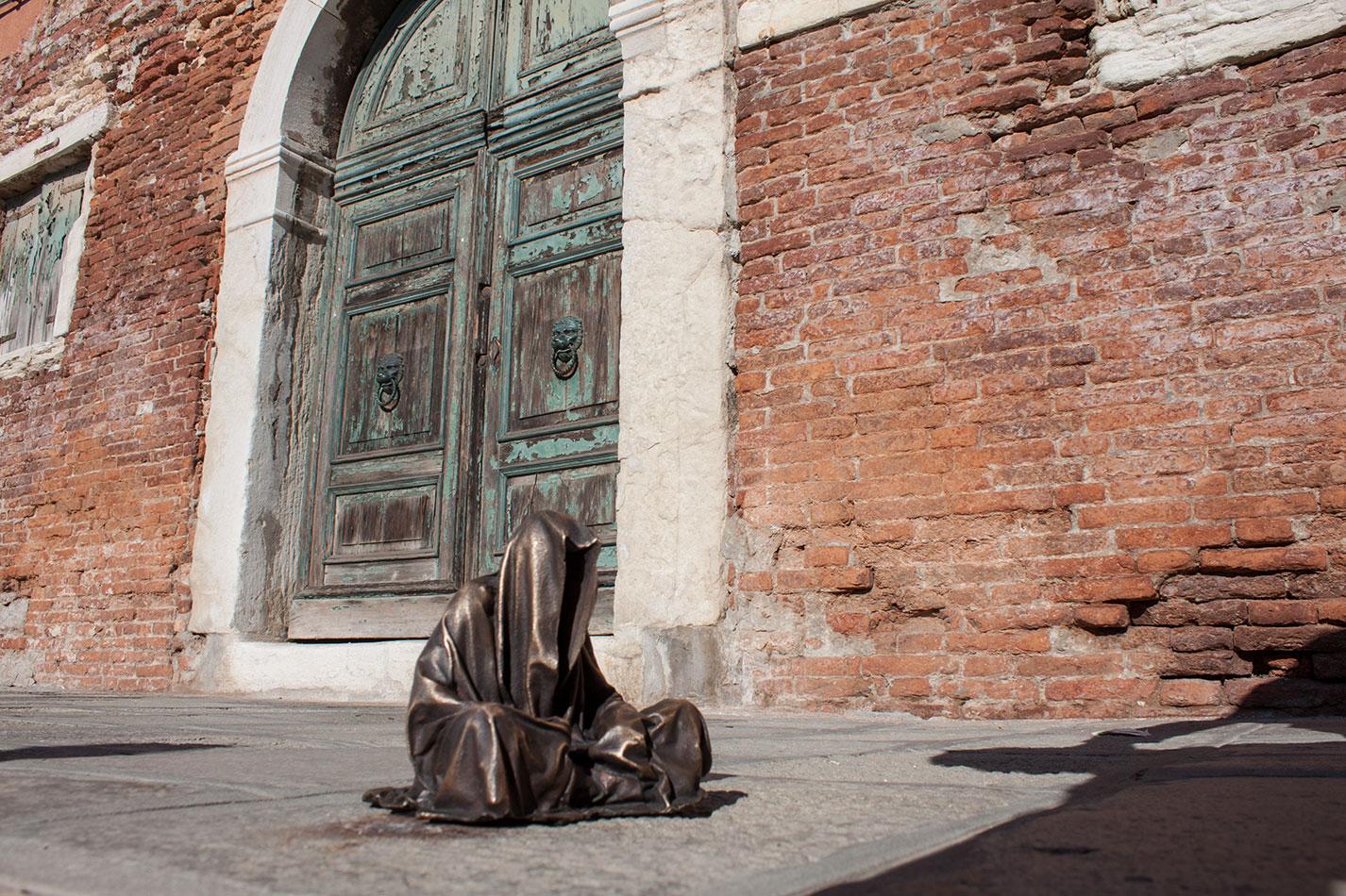 murano-glass-berengo-studio-venice-contemporary-art-arts-design-sculpture-guardians-of-time-manfred-kili-kielnhofer-8295