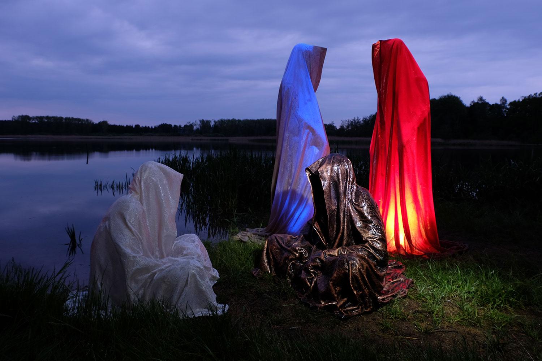 farryman-pound-lake-waldviertel-austria-guardians-of-time-manfred-kielnhofer-contemporary-art-design-arts-theater-dance-arte-performance-show-3167