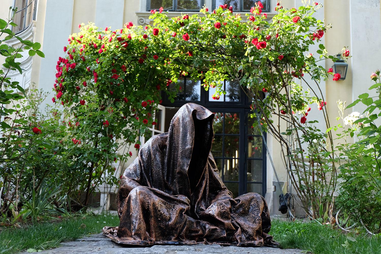 konstante-art-fair-vienna-gartenpaalais-schoenborn-volkskundemuseum-guardians-of-time-manfred-kili-kielnhofer-contemporary-art-arts-design-sculpture-statue-3229