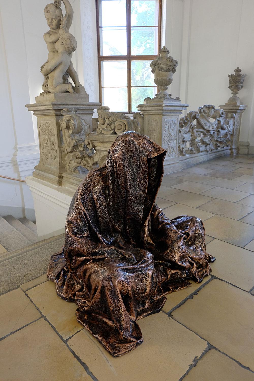 konstante-art-fair-vienna-gartenpaalais-schoenborn-volkskundemuseum-guardians-of-time-manfred-kili-kielnhofer-contemporary-art-arts-design-sculpture-statue-3272
