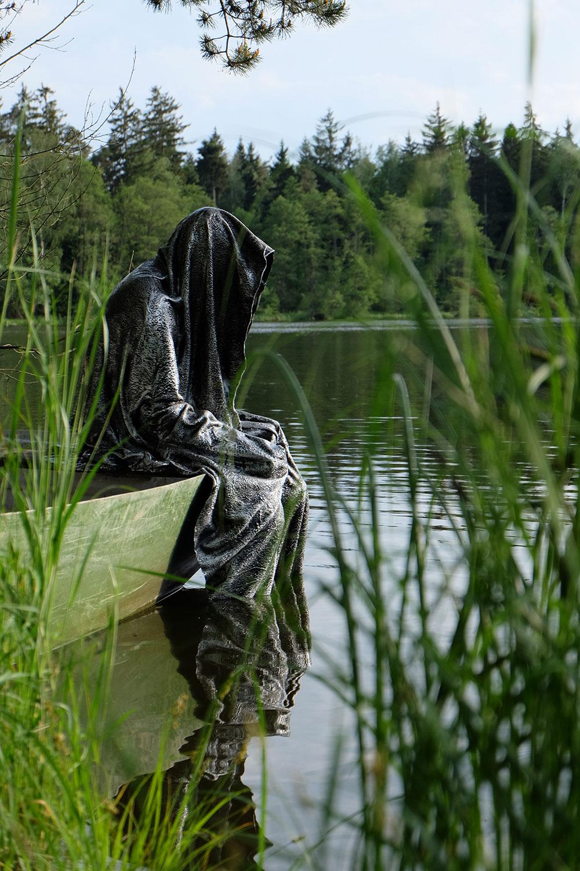 Avalon Island legend ferryman-pound-lake-boad-waldviertel-austria-guardians-of-time-manfred-kielnhofer-contemporary-art-design-arts-theater-dance-arte-performance-sculpture-show-3361
