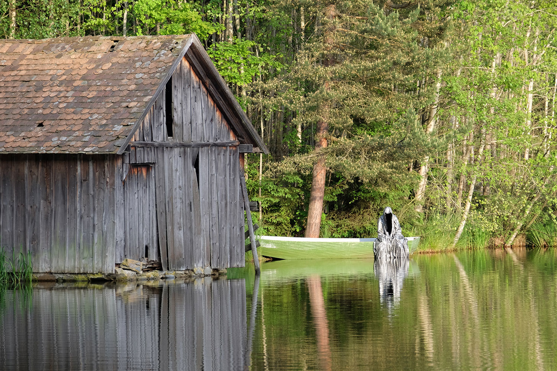 Avalon Island legend ferryman-pound-lake-boad-waldviertel-austria-guardians-of-time-manfred-kielnhofer-contemporary-art-design-arts-theater-dance-arte-performance-sculpture-show-3402