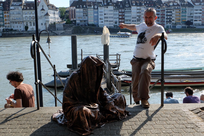 artbasel-swiss-scope-art-guardians-of-time-manfred-kili-kielnhofer-large-scale-contemporary-art-design-sculpture-statue-arts-arte-4408