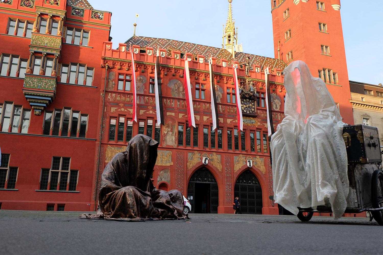 artbasel-swiss-scope-art-guardians-of-time-manfred-kili-kielnhofer-large-scale-contemporary-art-design-sculpture-statue-arts-arte-4680