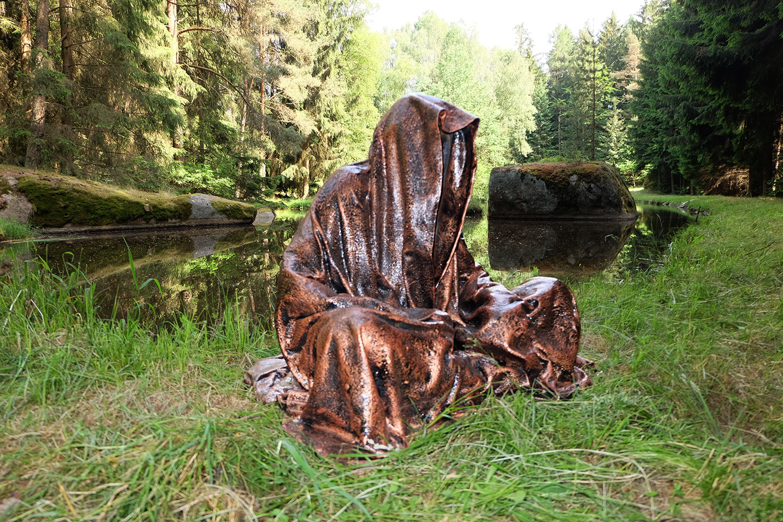 avalon-legend-mythology-ferryman-lake-ponds-guardians-of-time-manfred-kili-kielnhofer-contemporary-art-design-sculpture-statue-light-arts-4180y