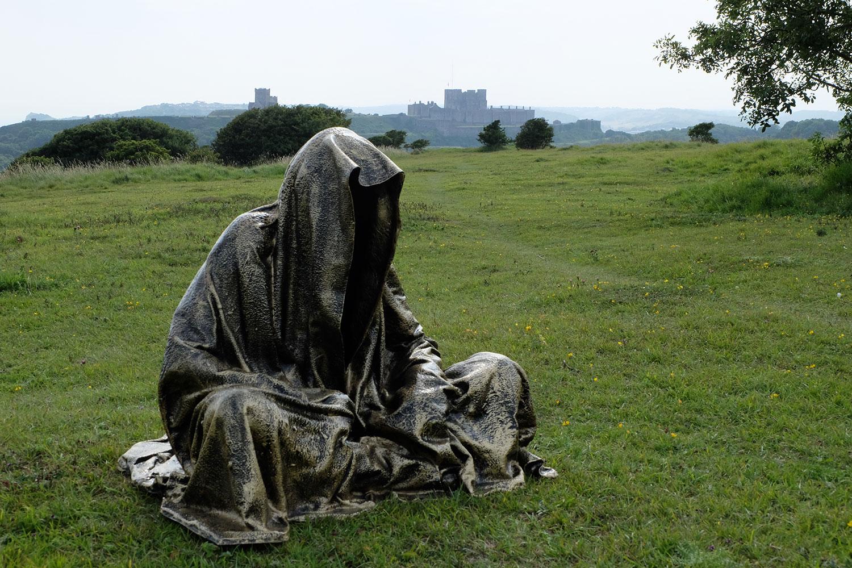 guardians-of-guardians-of-time-manfred-kili-kielnhofer-uk-england-castle-dover-public-contemporary-art-arts-design-sculpture-6327