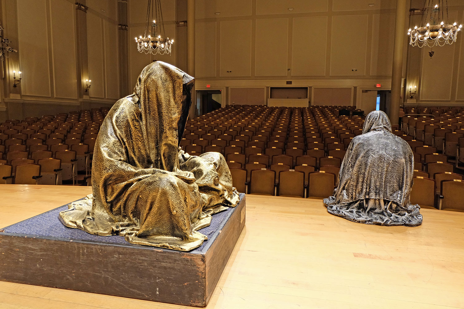 artprize-grand-rapids-mishigan-usa-contemporary-art-arts-sculpture-show-guardians-of-time-manfred-kili-kielnhofer-7405
