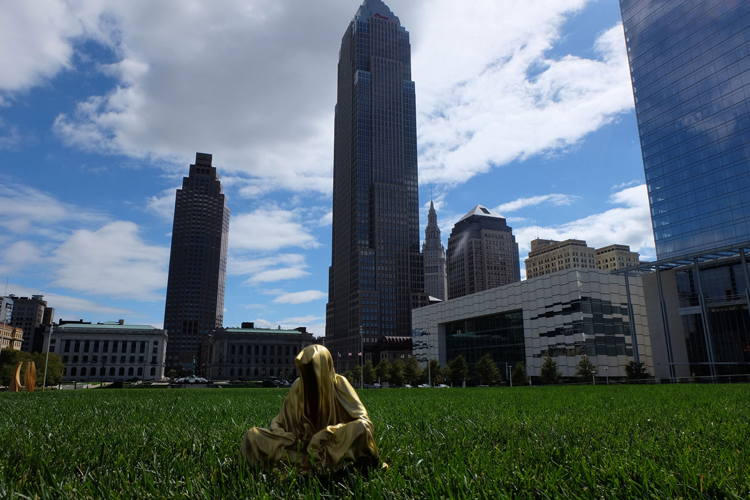 cleveland-usa-artparize-show-usa-contemporary-art-fine-light-arts-sculpture-guardians-of-time-manfred-kili-kielnhofer-8346