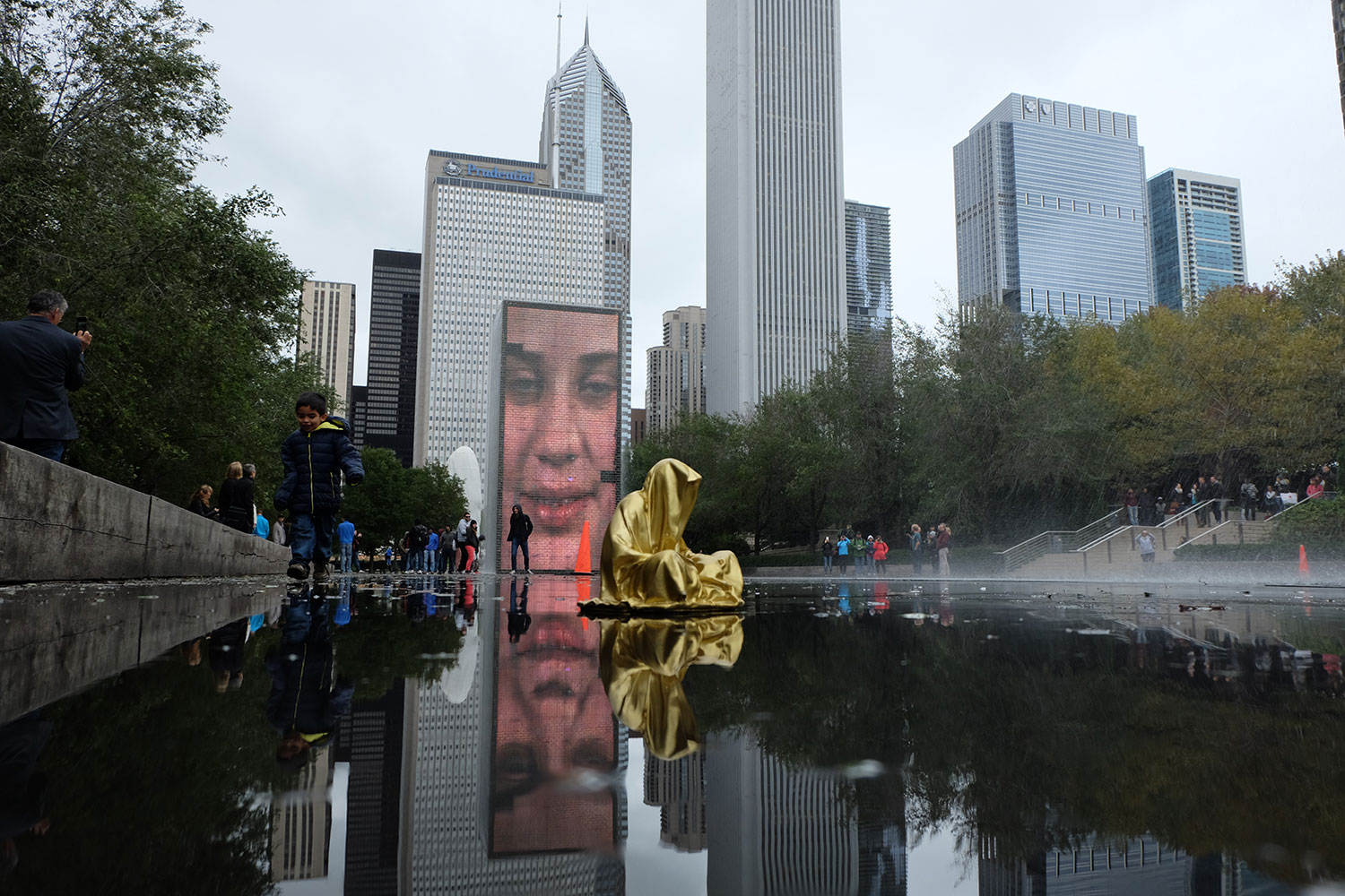 chicago-millenium-park-usa-contemporary-art-arts-sculpture-public-design-photography-guardians-of-time-keeper-manfred-kili-kielnhofer-F8882