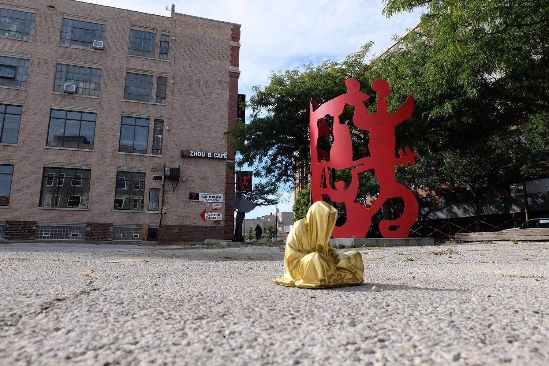 chicago-usa-contemporary-art-sculpture-sculpture-fine-arts-light-art-show-artprize-guardians-of-time-keeper-faceless-manfred-kili-kielnhofer-8701