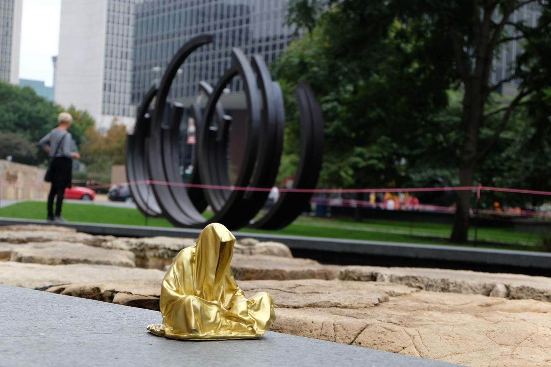 sculpturpe-park-st-louis-missouri-artprize-guardians-of-time-manfred-kili-kielnhofer-contemporary-sculpture-sculpture-3d-fine-art-light-arts-modern-design-show-expo-faceless-statue-8471