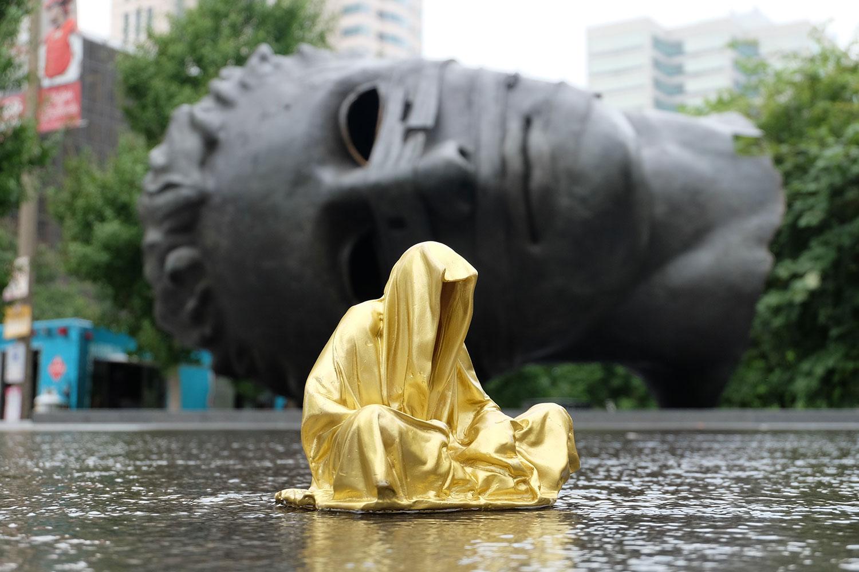 sculpturpe-park-st-louis-missouri-artprize-guardians-of-time-manfred-kili-kielnhofer-contemporary-sculpture-sculpture-3d-fine-art-light-arts-modern-design-show-expo-faceless-statue-8486