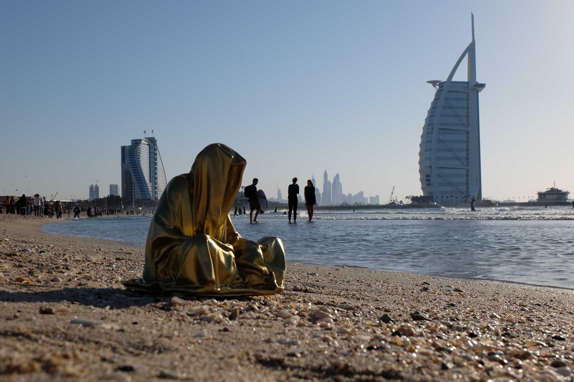 dubai emirates guardians of time manfred kili kielnhofer contemporary art modern design fine arts faceless photography antique statue 9362