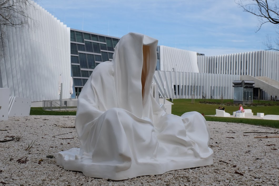 guardians of time manfred kielnhofer sculpture statue art arts design plastic fine art uni linz dance theater music 1713