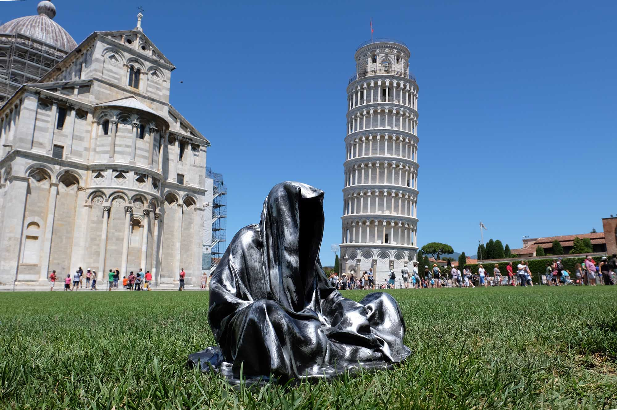 leaning tower of pisa italia guardians of time manfred kielnhofer contemporary fine art modern statue exclusive arts sculpture 3439