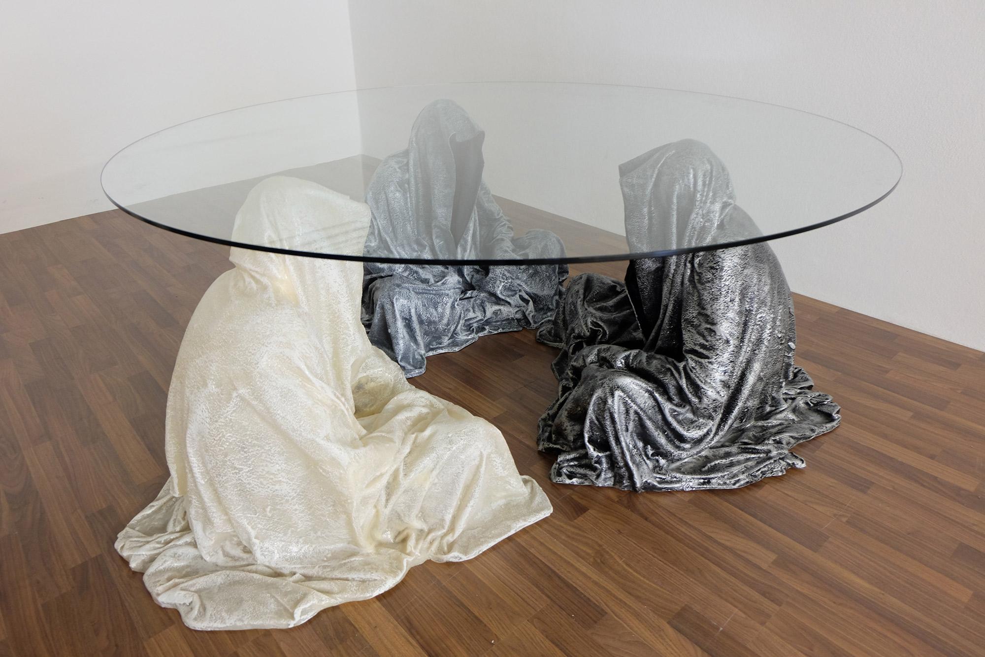 exclusive-furniture-guardian-table-glass-sculpture-statue-contemporary-light-art-design-antique-fine-art-manfred-kili-kielnhofer-4321y