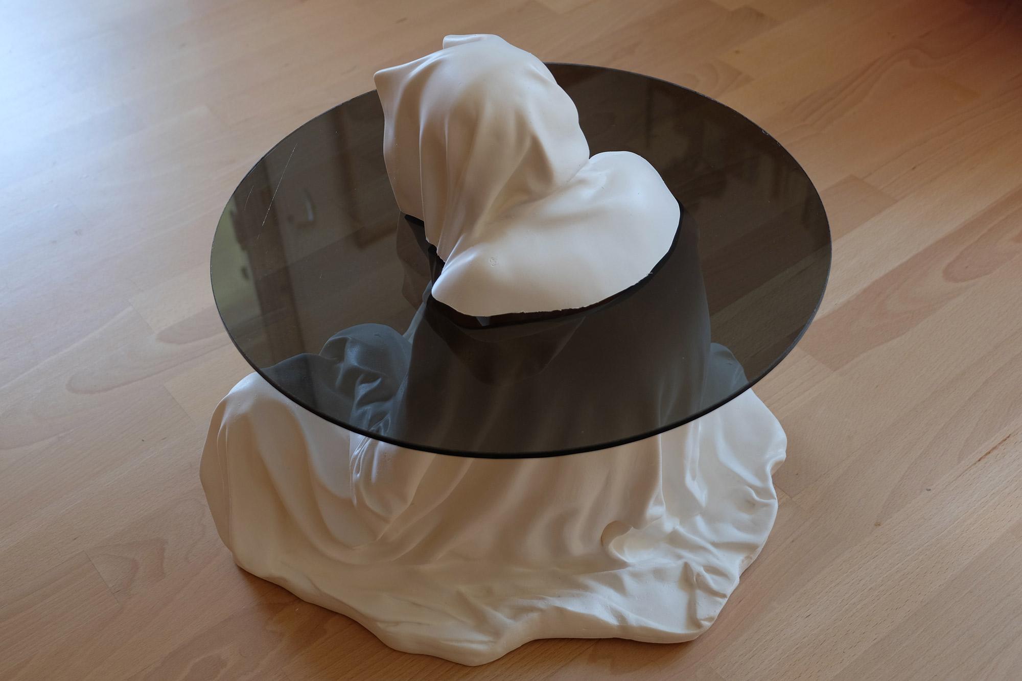 guardian-glass-tabel-furniture-modern-design-contemporary-art-arts-fineart-statue-sculpture-arte-manfred-kili-kielnhofer-7967