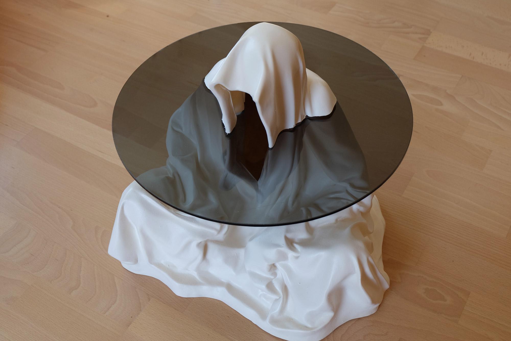 guardian-glass-tabel-furniture-modern-design-contemporary-art-arts-fineart-statue-sculpture-arte-manfred-kili-kielnhofer-7968x