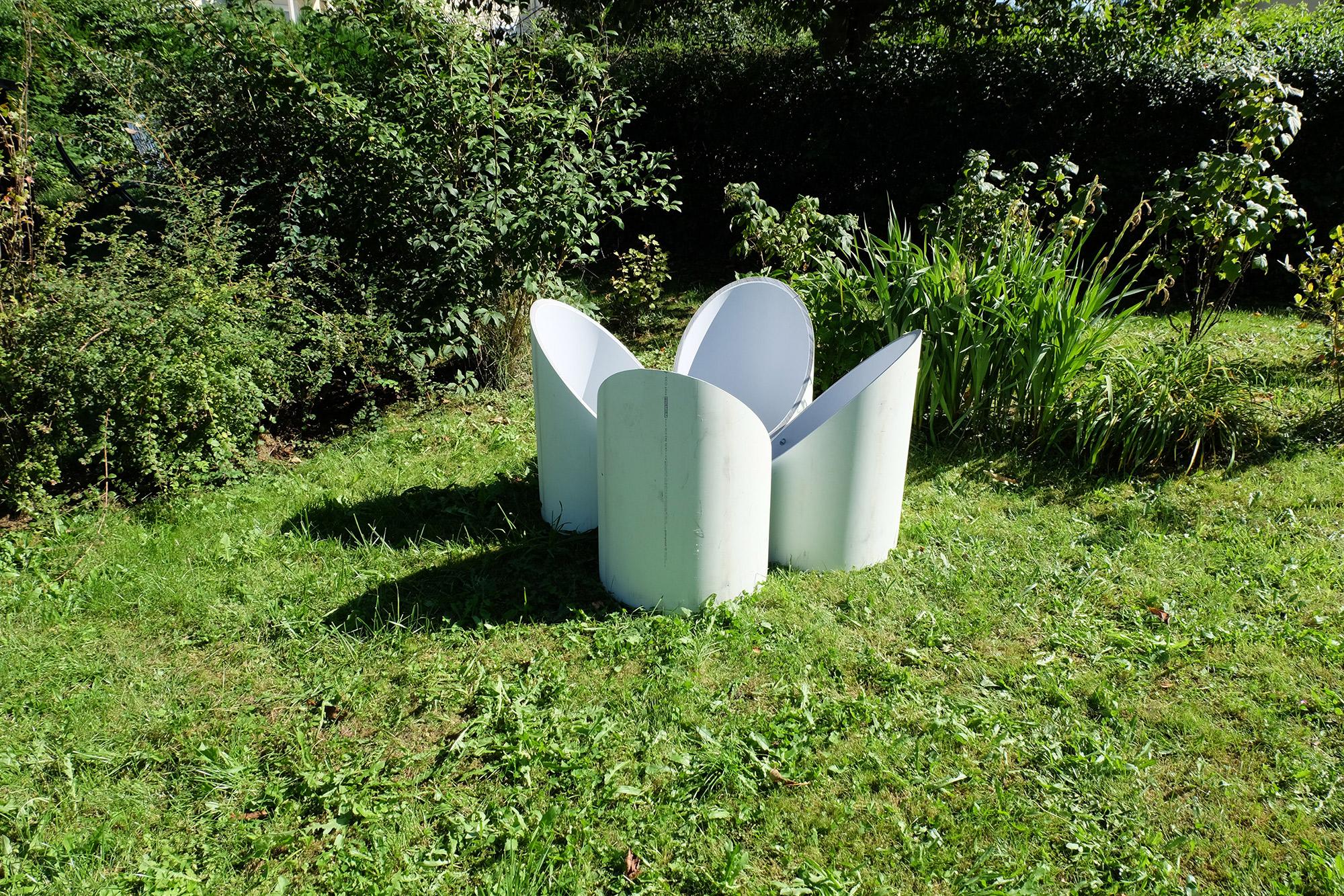 raised-bed-gardening-glass-table-guardians-of-time-manfred-kielnhofer-modern-design-fineart-arts-garden-sculpture-contemporary-art-7950