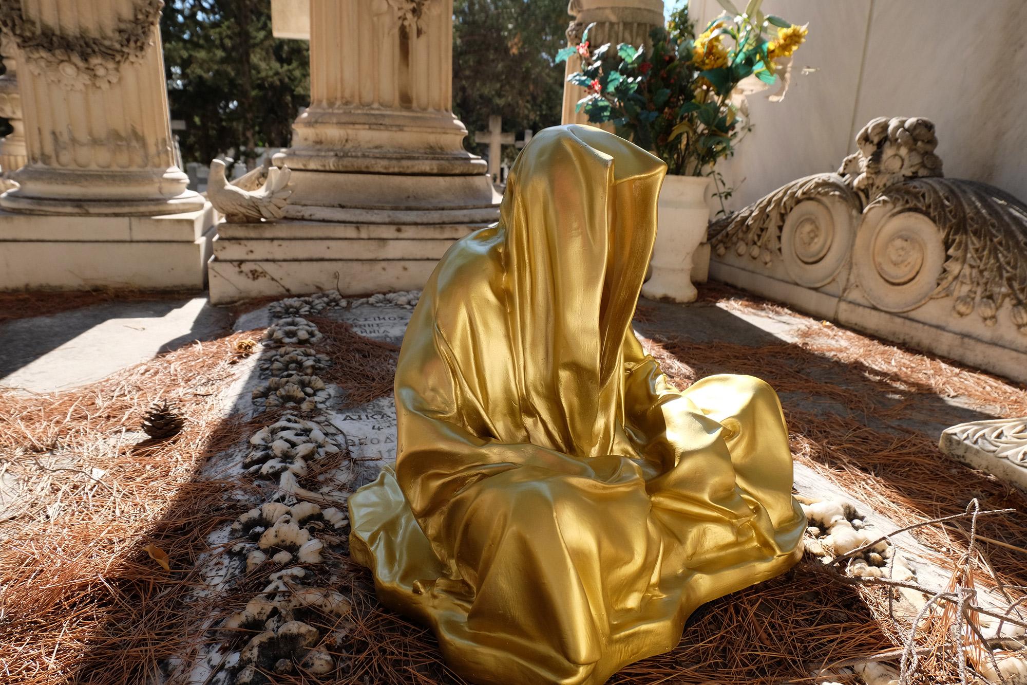 athens-acropolis-guardians-of-time-manfred-kili-kielnhofer-stone-marble-plastic-statue-sculpture-modern-art-fine-arts-arte-gallery-museum-show-8640